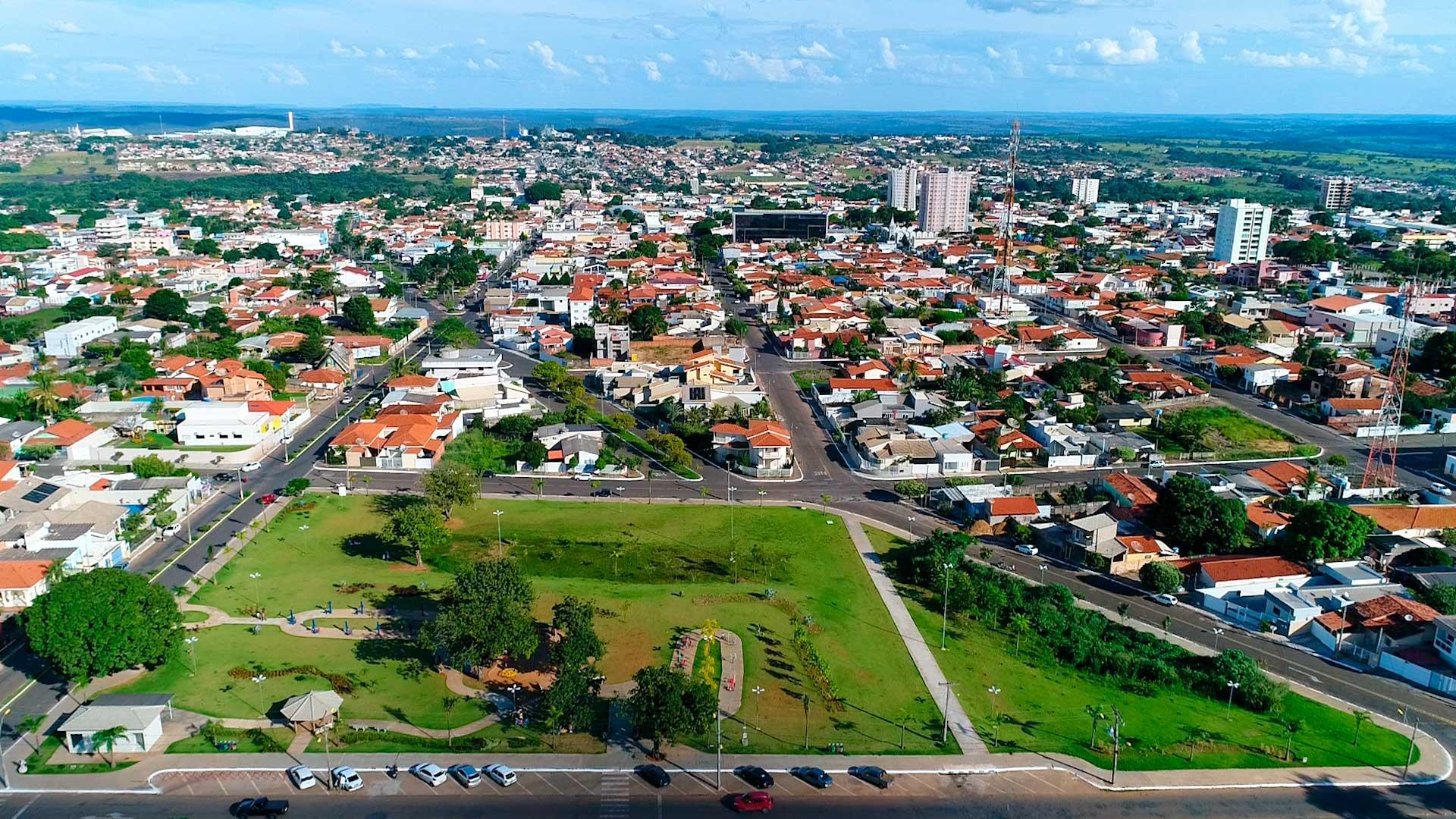 Mineiros/GO: uma cidade que abriga a maior área do Parque Nacional das Emas