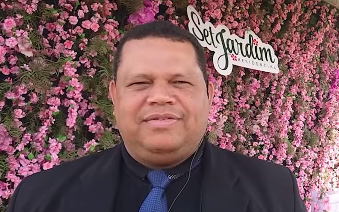 Ailton L. dos Santos
